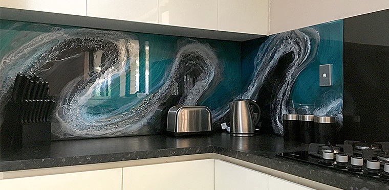 Resin Splashback – My largest project to date (Time-Lapse)